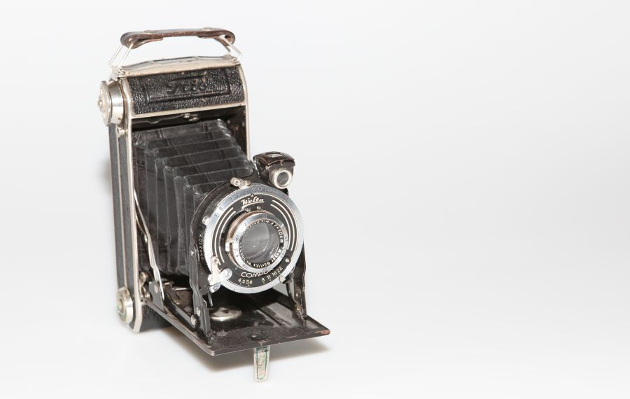 antique photo camera Welta Compur with built-in lens